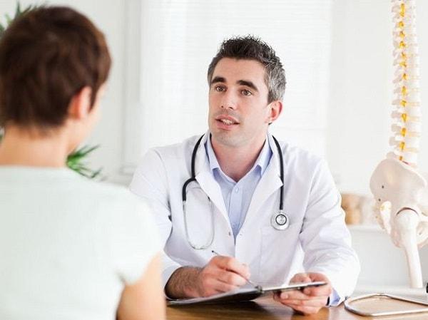 Khi có biểu hiện xuất tinh ra máu, nam giới cần đi thăm khám càng sớm càng tốt
